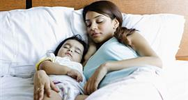 Co-sleeping- The Pros and Cons of Sleeping With Your Baby